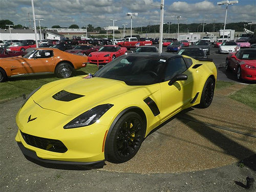 16 CORVETTE Z06 CPE Corvette Racing Yellow Tintcoat 847 Miles Memory Package