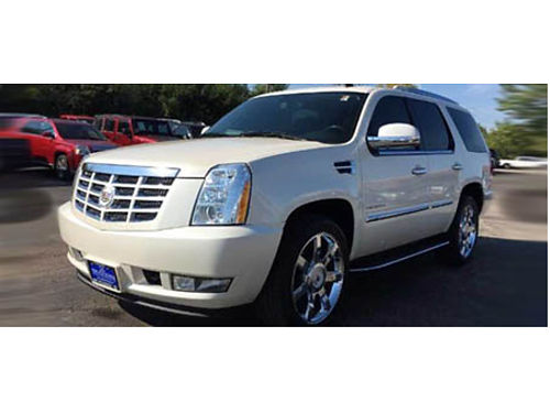 10 CADILLAC ESCALADE V8 AWD Luxury 62L V8 Low Miles Loaded WNavi Heated Leather Moonroof DVD