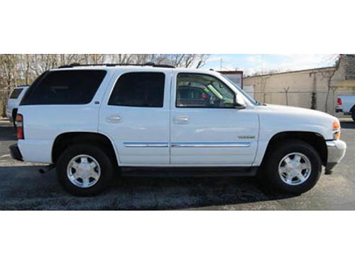 05 GMC YUKON 4WD Very Clean Very Well Owned Local Trade Low Price Se Habla Espanol 630-469-8860