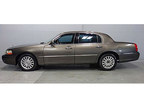 2004 LINCOLN TOWN CAR ULTIMATE Heated Pwr Leather Seats Steering Wheel Ctrls Sunroof Hefty 46L V