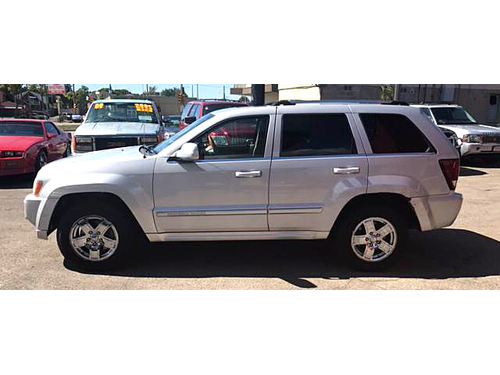 2007 JEEP GRAND CHEROKEE OVERLAND 4x4 Ready For Winter Driving Check It Out Today Call 1-414-327-
