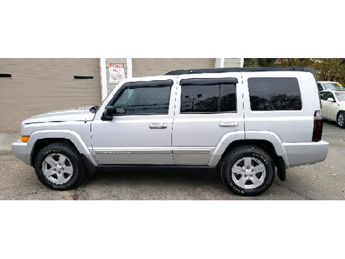2007 JEEP COMMANDER SPORT 4X4 2-Owner WClean Carfax Dual Moonroof 3rd Row Seating Parking Sensor