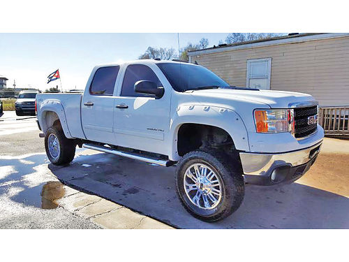 11 GMC SIERRA 2500HD 4X4  713 341-9626 25995