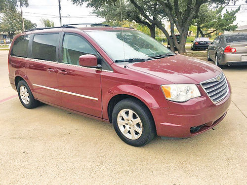 09 CHRYSLER TOWN  COUNTRY TOURING  214 442-0762