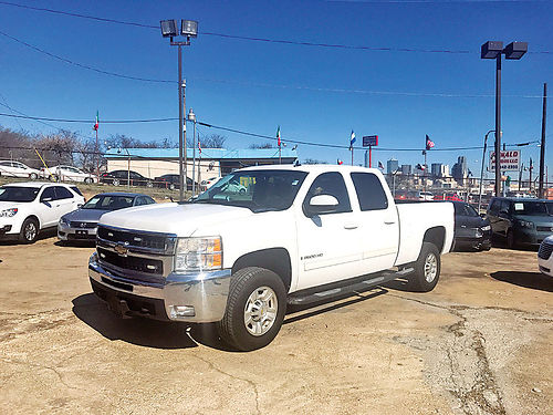 09 CHEVY 2500 LTZ ALLOYS AUTO BLUETOOTH ESTRIBOS PIEL V8 4 PTS CD CRUCERO 214 943-7777