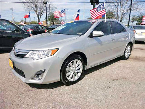 14 TOYOTA CAMRY SE 4 CIL AC DUAL ALLOYS AUTO SUPER LIMPIO 713 772-7466 1495ENG