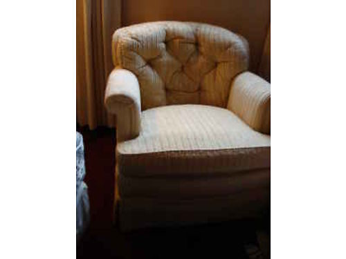 CHAIR, HENREDON CLUB CHAIR, COMFORTABLE, CREAM FABRIC, ...