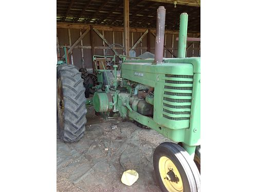TRACTOR 1950 John Deere Model G runs good see pics online wwwrecyclercom 4500 865-986-5155 8