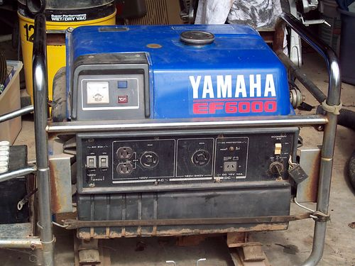 GENERATOR Yamaha 6000w gas powered electric or pull start 110220v less than 200hrs paid over