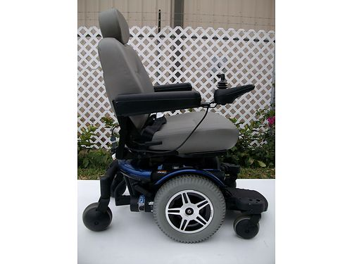 POWERCHAIR Jazzy 600 blue  gray has 2 new batteries includes charger like brand new new was o