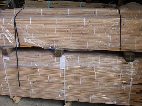 HARDWOOD FLOORING Solid unfinished Red Oak Utility grade lots of colors 2 14 wide x 7 x 34
