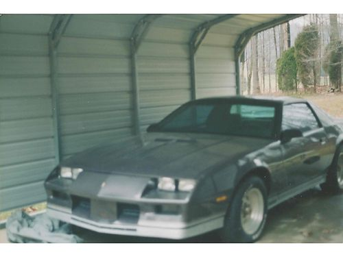 1983 CHEVROLET CAMARO Z28 wt-tops 302 5spd all power CD changer spoiler 77k original exc con