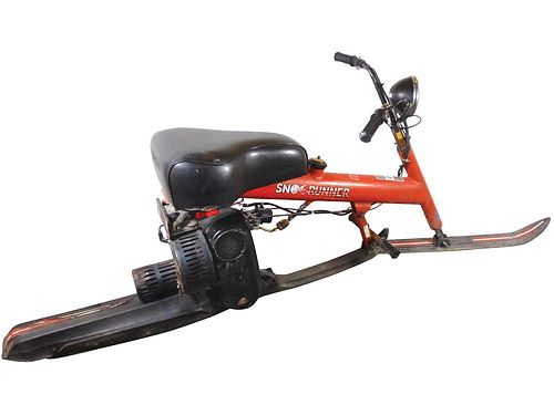 SNO RUNNER Chrysler Snorunner 046121b a single ski narrow tracked motorcycle for the snow rare