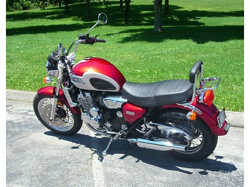 2003 TRIUMPH THUNDERBIRD 900cc 3cyl liquid cooled only 7300 miles Excellent condition new tire