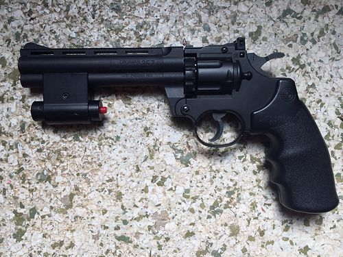 PISTOL Crossman 357 Pellet pistol wlaser good cond 40 865-235-8388 see picture at wwwrecycler