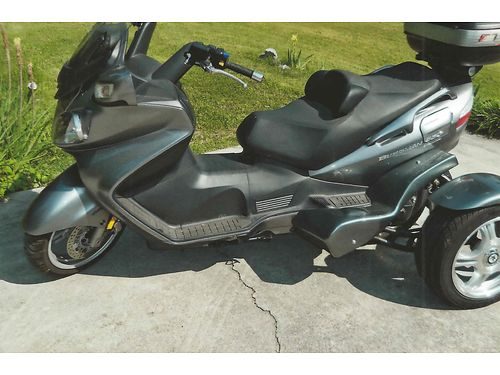 2008 SUZUKI BERGMAN 650 3 Wheel Cycle Black  Silver wLOW Miles backrest suitecase underseat s