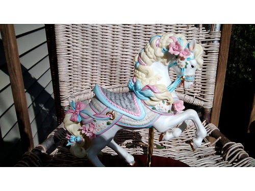 CAROUSEL HORSE Vintage Lennox wgold saddle  accents 175 865-232-6486 see photo at wwwrecycler