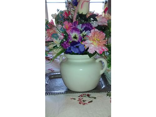 SILK  DRIED FLOWER ARRANGEMENTS in vases some vintage beautiful very pretty from 20-50 each