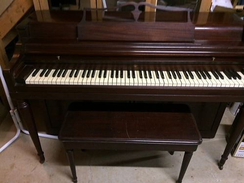 PIANO Wurlitzer Upright circa 1960s  mahogany finish good cond 200 obo 865-806-2834 see p