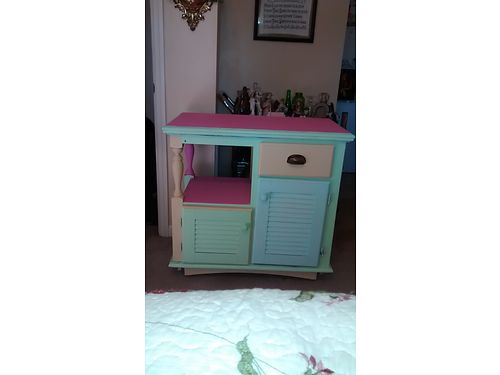 CABINET, BETTY CROCKER KITCHEN CABINET/HUTCH, VERY VINTAGE, ...