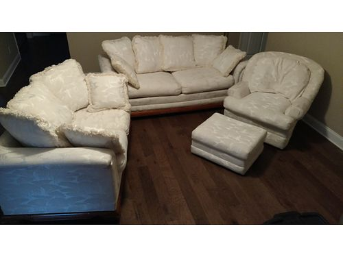 LIVING ROOM SUITE White woven brocade Sofa Loveseat Chair  Ottoman wdecrorative pillows scot