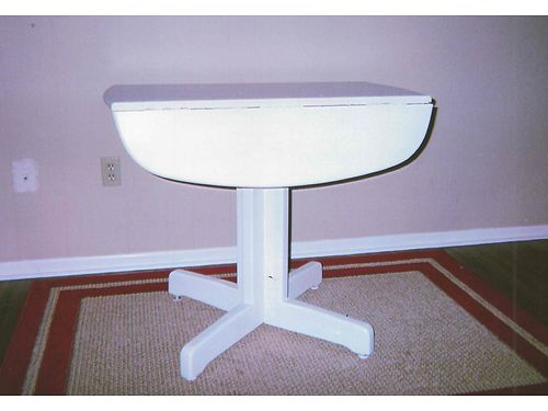DROP LEAF TABLE White for Kitchen 36x36 39 865-306-9914 calls only no text see photo at w