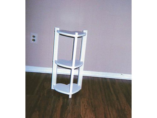 HEART SHAPED NOVELTY TABLE STAND hand made solid wood white 15 865-306-9914 calls only no te