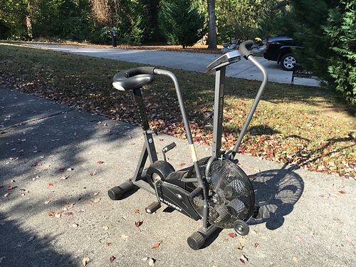 EXCERCISE BIKE Schwinn Air Dyne Evolution Comp Quiet belt driven on-board compouter measures ti