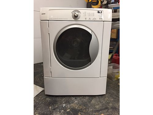DRYER Whirlpool 11yrs old white multi cycle large capacity still works great 100 Kathryn 86