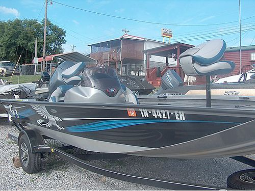 2015 EAGLE TALON 17 DLX BASS BOAT All Aluminum 33 gallon divided livewell recessed trolling motor