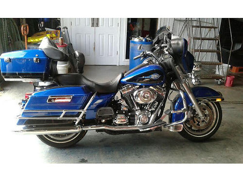 2008 HARLEY-DAVIDSON ELECTRA GLIDE CLASSIC Visors on front lights and turn signals True dual exhau