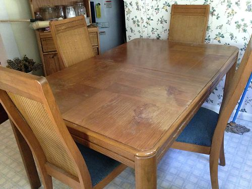 TABLE W4 CHAIRS rectangular wleaf 4 whicker backed chairs wpadded seats older but in decent co