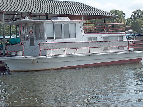 1966 NAUTALINE HOUSE BOAT 36 1996 150hp Johnson Completely remodeled wnew upholstrey new deck v