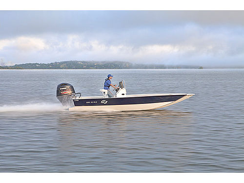 2017 G3 BAY 20 DLX PROP TUNNEL The new Bay 20 DLX Tunnel hull boat gives you the confidence you nee