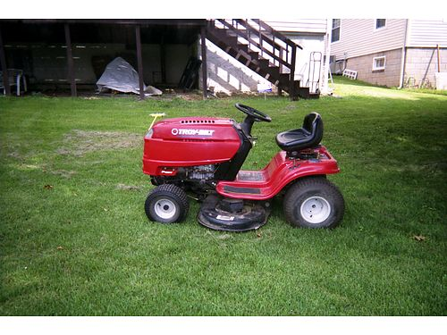 RIDING MOWER Troybilt 175 BS engine 42 cut 6spd trans new belts blades sharpened tuned up e
