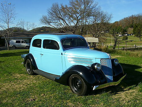 1936 FORD SEDAN Fully Restored new powdered coated new version frame 302 crate engine C4 auto t