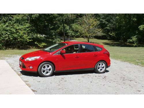 2012 FORD FOCUS SE Red 4dr hatchback FWD 4cyl auto all power air CD 1 owner wall maintenanc