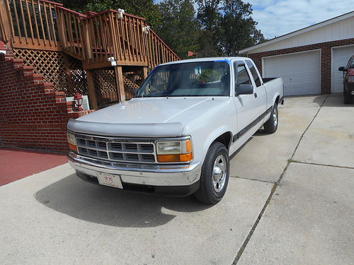 1994 DODGE DAKOTA 2wd Ext Cab V6 auto fresh paint air CD bedliner bucket seats 144k EXC CON