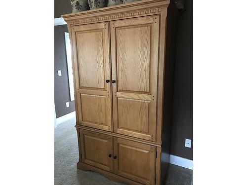 ENTERTAINMENT ARMOIRE Oak TV cabinet great condition 800 865-441-2947 see photos at wwwrecycle