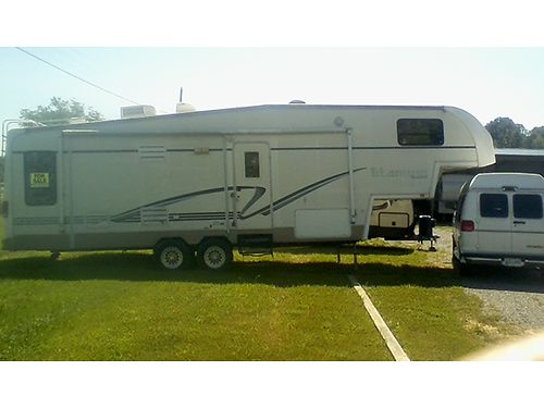 2002 GLENDALE TITANIUM 5TH WHEEL 36 Loaded w2 Super Slides Queen bedroom Kitchen Island nice