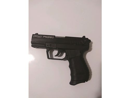 PISTOL Walther PK 380 light polymer gun can be carried by either a lady or a man excellent cond