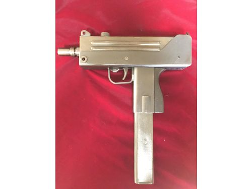 PISTOL Cobray Mac 10 45 ACP Super Rare Early Mfr w3 extra mags like new condition 1000 865
