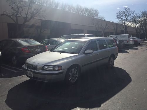 2001 VOLVO V70 Station Wagon new tires  timing belt ac cd leather moonroof 1 owner clean ti