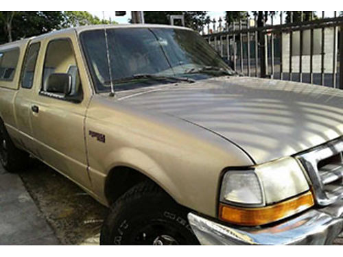 2000 FORD RANGER XLT wcab stick runs well pully good tires 159K miles body in good shape 19