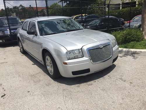 2007 CHRYSLER 300 100k Miles Excellent Silver 4950 Call Sonny 954-782-9144
