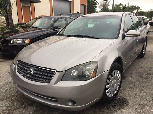2005 NISSAN ALTIMA 25 S 4 Door Silver With Grey Cloth Interior 150K Miles Auto Cold AC Runs Out