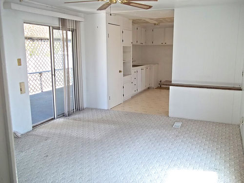 2BR2BA Mobile Home For Rent 500mo  utilities Tons of cabinet space in family room  kitchen Roo