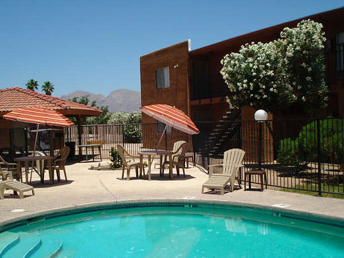 99 COVERS APP  DEPOSIT 1BR - 419 2BR - 619 Great ramada with picnic tables  BBQ grill Large la