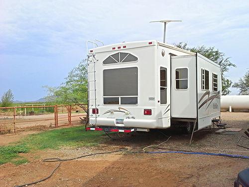 FURNISHED 33ft 5th Wheel With 3 Slides King-size bed Off I-10  Redrock Lease Option  600month