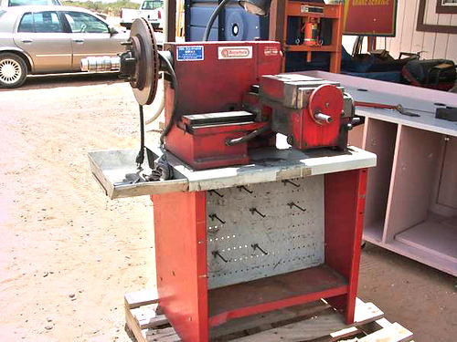 ACCU-TURN 8989 Brake Lathe Good used brake lathe for light medium  heavy duty vehicles Complete